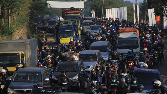 Jalur Bandung Cianjur Macet Hingga 5 Kilometer