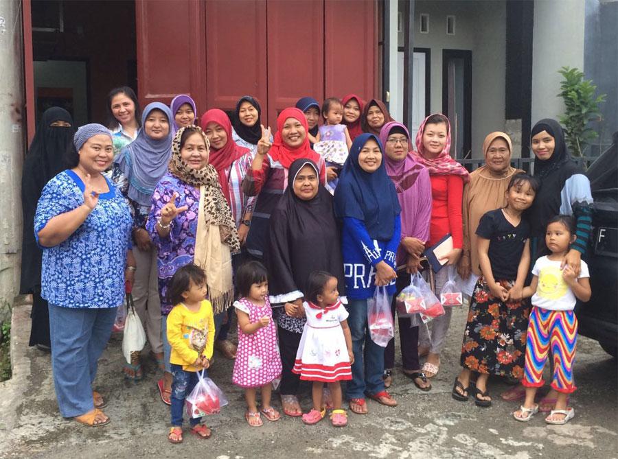 Ibu-Ibu RT 001/09 Bukit Rasamala Gelar Arisan Bulanan