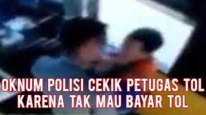 Tak Mau Bayar Tol, Oknum Polisi ini Cekik Petugas Tol Cileunyi