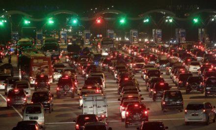 Arus Balik Arah Jakarta Padat Dini Hari Tadi