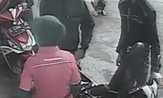 CCTV Anak Perempuan Terlindas Mobil ini Jadi Viral di Internet