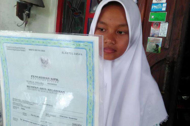 Pendaftaran Sekolah, Siswi ini Hanya Punya Nama dengan Satu Huruf