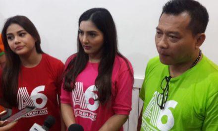 Aurel Buka Bisnis Kue ASix Oleh Oleh di Malang