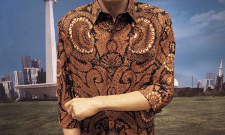 Ini Cerita Dibalik Patung Jokowi yang Ganti Pakaian Batik