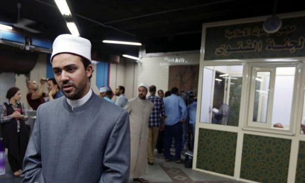Ulama Al Azhar Dirikan Kios Tanya Jawab Agama di Stasiun Kereta