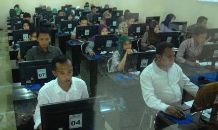 Peserta Tes CPNS Menjalani Pemeriksaan Tato dan Tindik