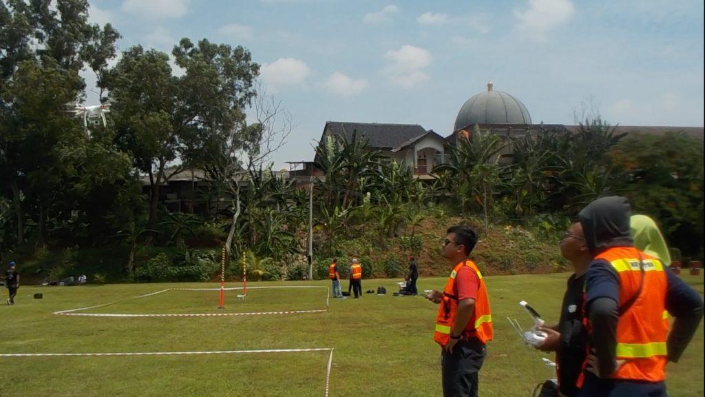 Uji terbang drone di sertifikasi pilot drone APDI