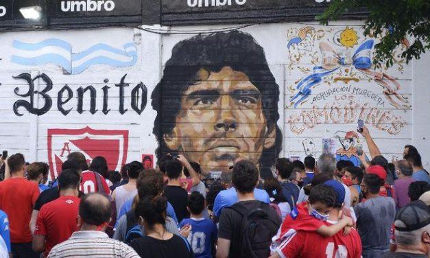 Diego Maradona Meninggal Dunia, Lionel Messi dan Christiano Ronaldo Kompak Lakukan Ini