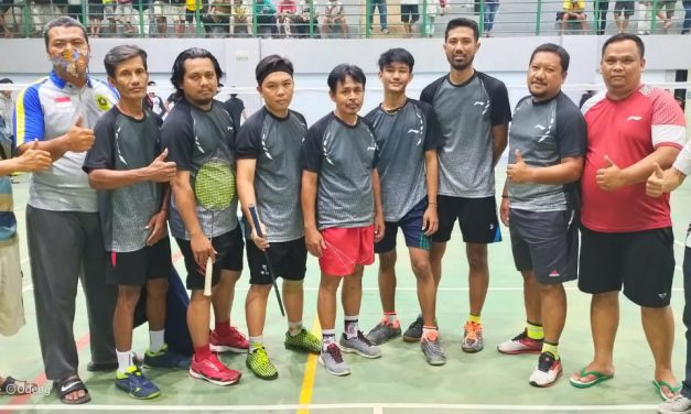 Partai Derby antara PB RW09 vs PB Kadus V di Ajang Kades Cup I Desa Singajaya